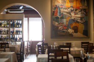 osteria interno tavoli vini e pesce